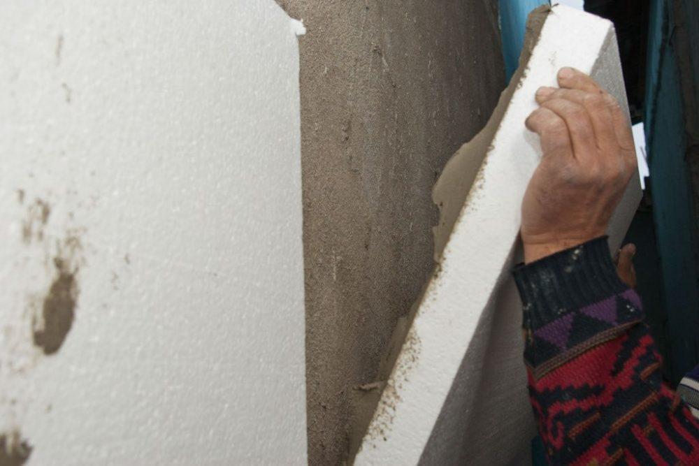 Крепление пенопласта на стену