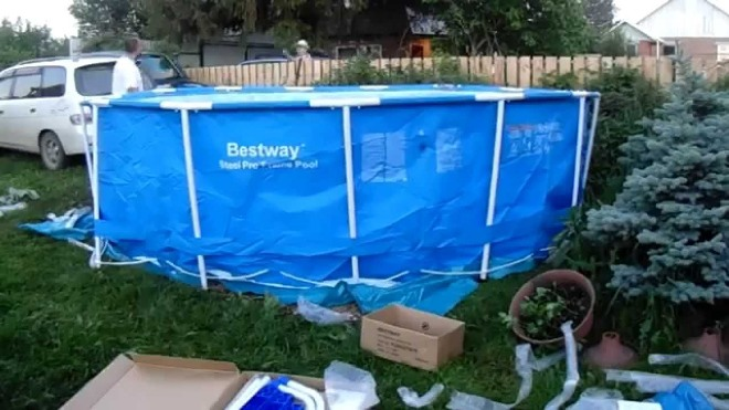 Каким клеем заклеить бассейн?