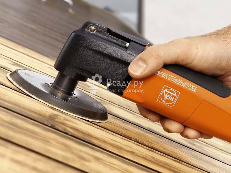 Обработка древесины шлифмашинкой перед покраской