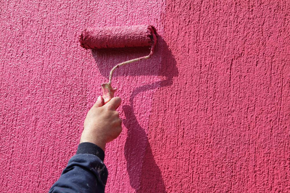 Покраска цветной штукатурки