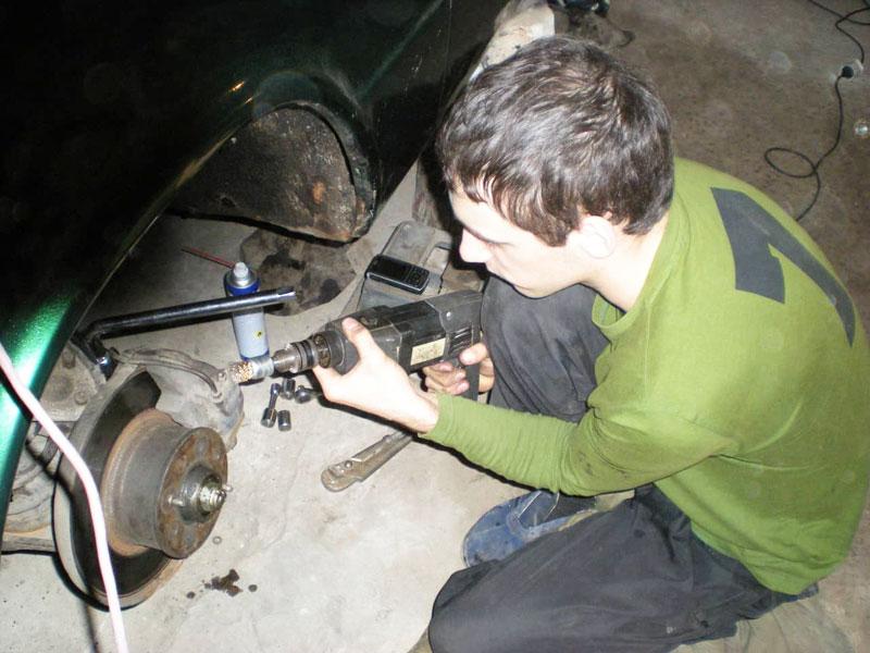 Демонтаж суппорта авто
