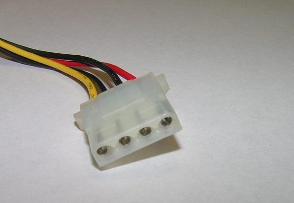 Деталь с проводами