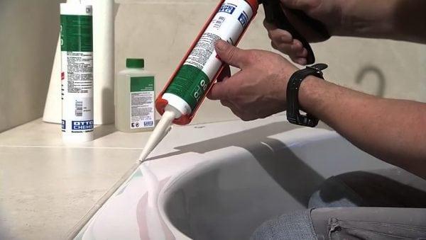 Как и чем очистить силиконовый герметик – инструкция к действию