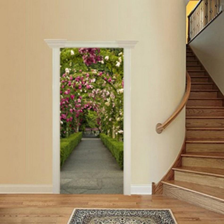 Красиво облеенная межкомнатная дверь после обновления