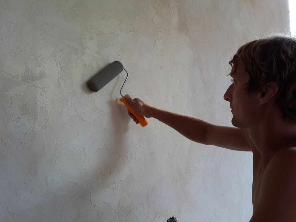 лак для стен