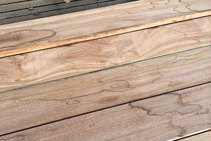 Что делать с пятнистой древесиной после нанесения морилки