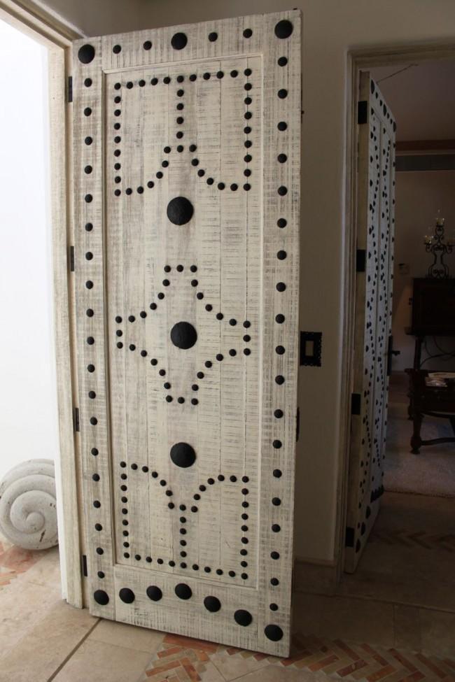 Обновленные бумажыне двери в интерьере