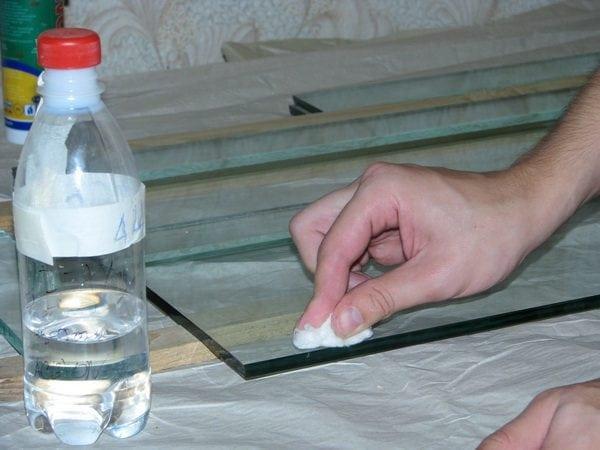 Обзор средств для обезжиривания поверхностей из разных материалов