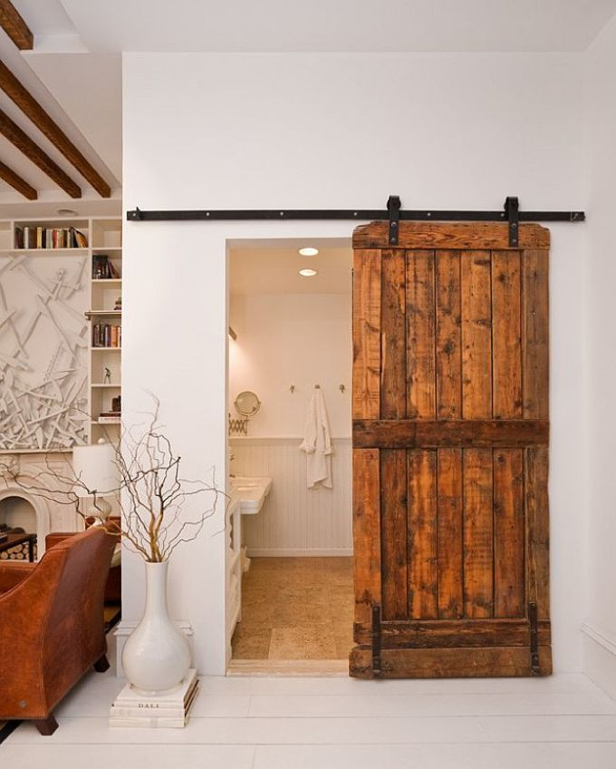 Варианты дизайна дверей в ванную комнату после обновления своими руками, пример 10