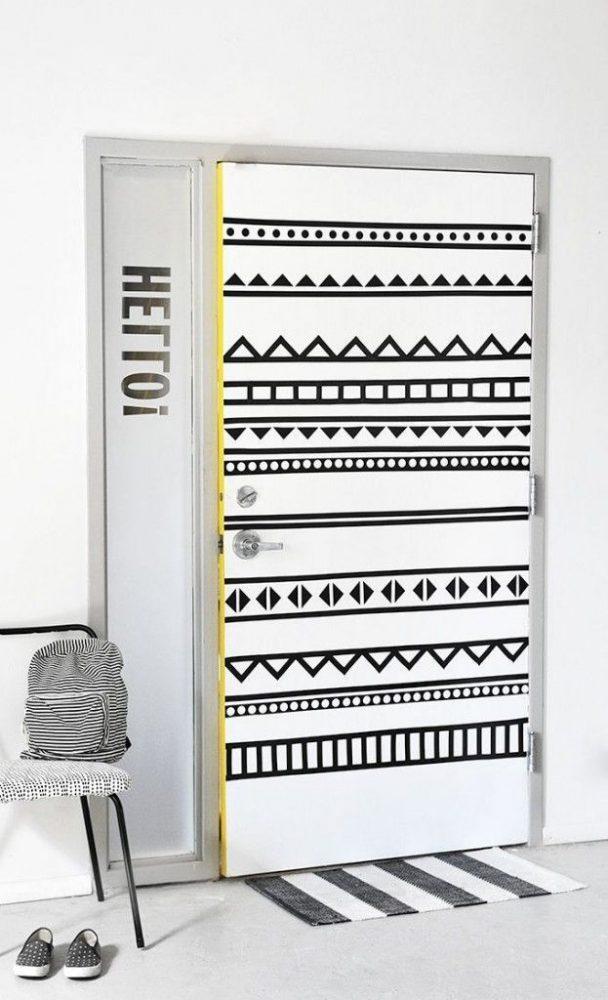 Варианты дизайна дверей в ванную комнату после обновления своими руками, пример 5